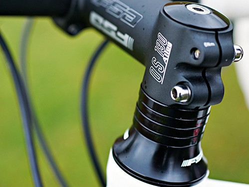 The short head tube and long stem set up a racy position for tackling training or commuter rat racing