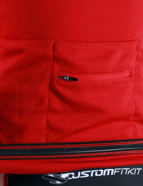 Gripper elastic along the rear hem helps keep the jersey in place. The three rear pockets don't sag when heavily loaded but the straight-cut outer pockets can be difficult to access