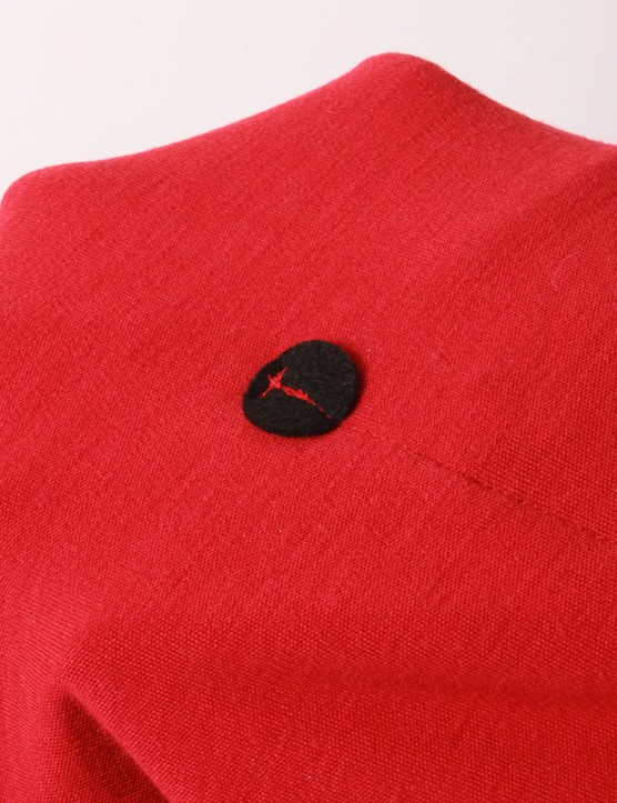 Additional reinforcement on the inside of the jersey adds further protection from ripped pocket edges