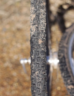 The center knob rolls reasonably fast, but also splay adequately for good drive traction in most types of mud
