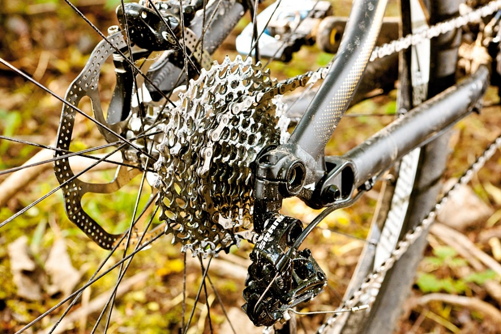 The Syntace X12 bolt-through axle keeps the back end nice and stiff