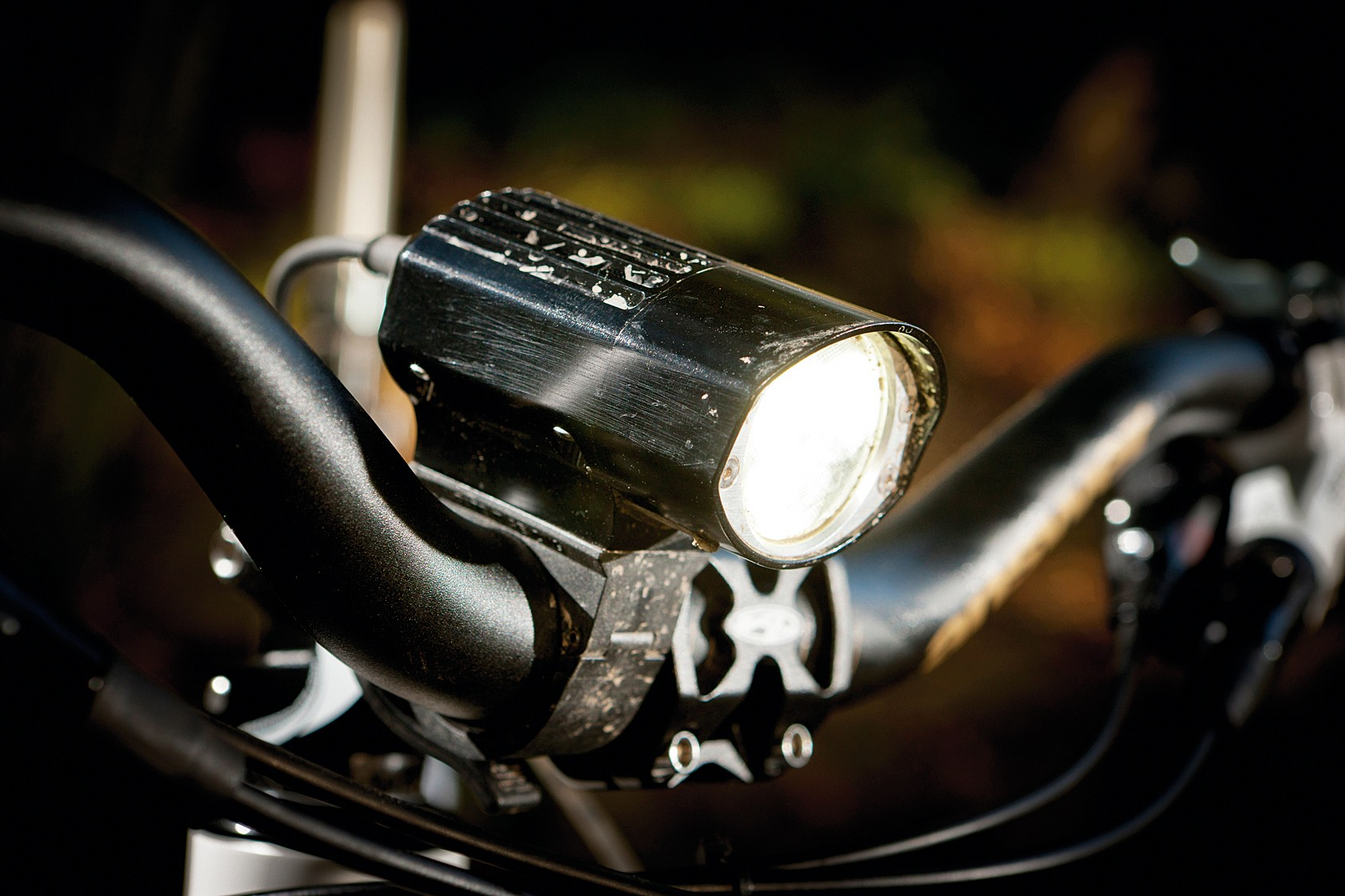 Troute Darkness Dominator front light