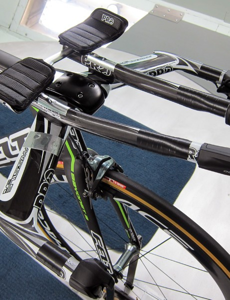 1t4i riders will use PRO's Missile Evo aerobar setup on their Felt DAs.