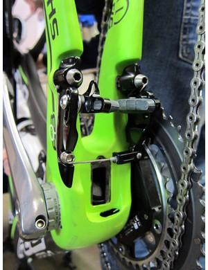 Felt uses TRP's TTV linear-pull brake design for its DA aero bike.