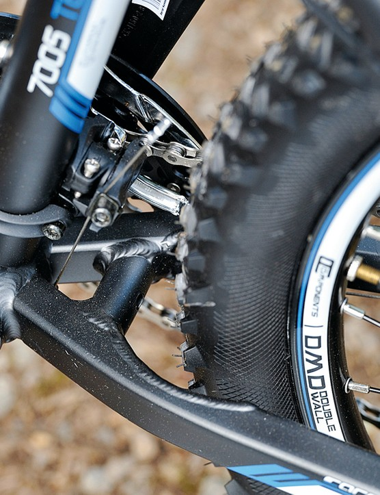 Cutouts in the  chainstay make extra room for rubber