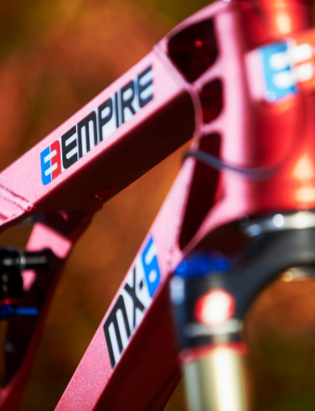 A choice of 16 different hard anodised colours allows you to personalise the already-striking frame