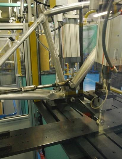 A stress testing machine in the Bianchi development laboratory