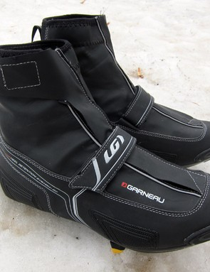 The Louis Garneau Glacier RD winter road shoes will keep your feet warm and dry