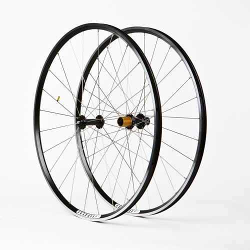 Strada handbuilt wheelset