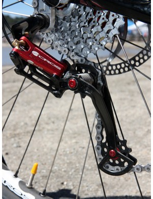 Acros' A-GE hydraulic rear derailleur could easily be adapted both in terms of function and aesthetic to work with a road setup