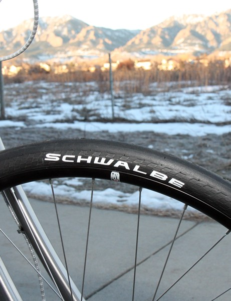 The No.1 is fitted with 35mm-wide, 700c Schwalbe slicks front and rear while the No.2 gets much fatter rubber and a 69er layout, both wrapped around wide-format Velocity Blunt aluminum clincher rims