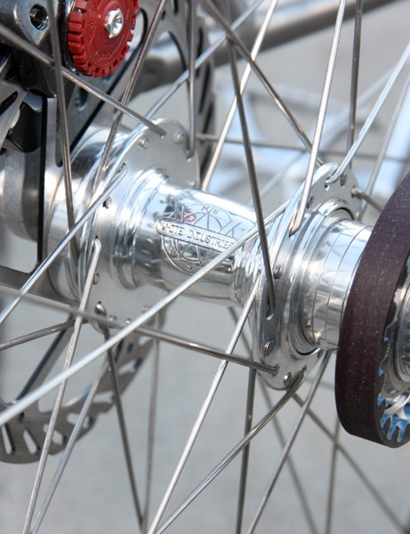 Highly polished White Industries hubs fit the overall aesthetic and allow for both geared and singlespeed use