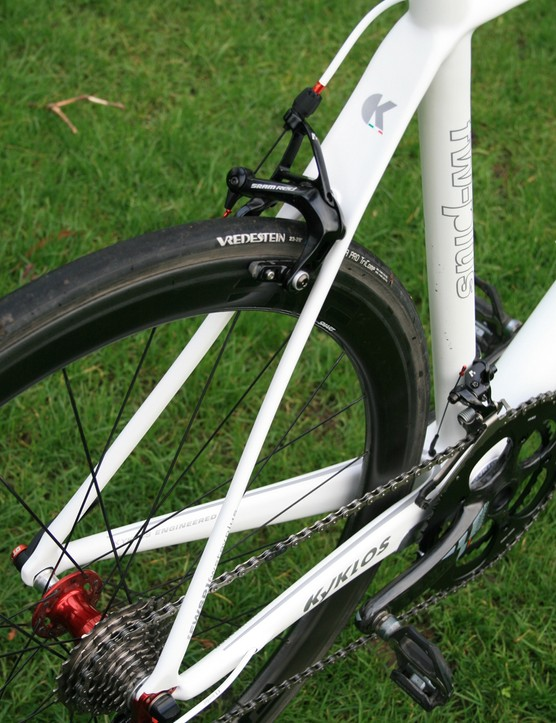 The unusually-shaped seatstays apparently produce a super-stiff rear end on the sprinting-orientated Kyklos Featherweight Plus Killer