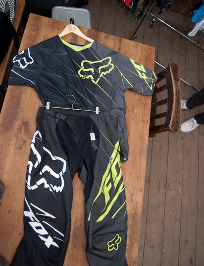 2012 Fox Push pants (green colourway) and 360 SS jersey