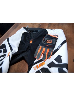 2012 Fox Push pants and Sidewinder gloves