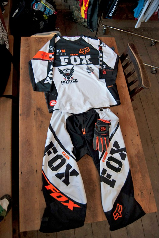 2012 Fox Push pants and Covert jersey, both in white/orange