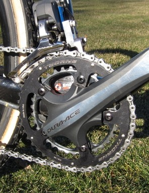 Compton uses Shimano's Dura-Ace 7900 compact crank with 34/44 rings; since Shimano don't make a 44-tooth outer ring, Legg-Compton sourced it from Thorne Components