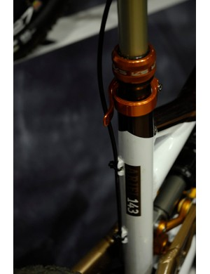 Sensible dropper post cable routing on the Saracen Ariel 143