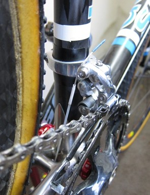 Seals on the front derailleur; Roy also uses the shrink wrap as a cable end cap