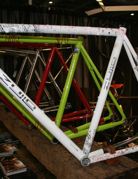 Zullo's Vergine is made from Columbus XCR stainless steel and custom painted