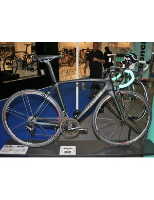 Bianchi's Oltre now comes with Campagnolo's electronic EPS groups