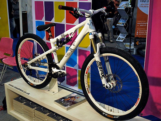 The Jester is a departure for Rose, designed equally for the park, track or dirt jumps