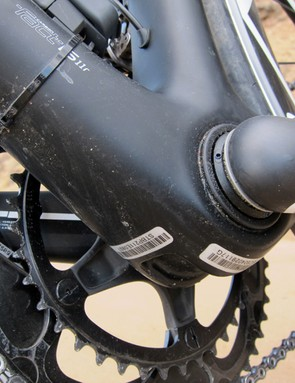 Conventional derailleur cables enter the down tube just behind the head tube and then make a brief appearance below the bottom bracket to ease replacement