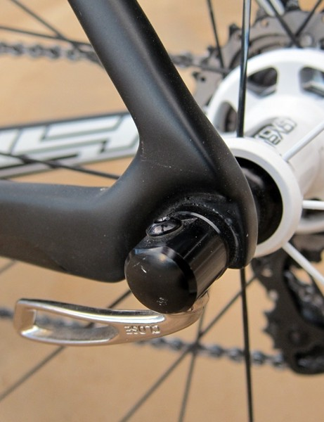 The carbon dropouts are fully hollow, meaning it essentially forms a continuous tubular structure from chain stay to seat stay