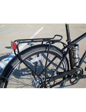 Trek smartly include a stout rear rack on the Soho Deluxe. Add in a pair of capacious panniers and convenient grocery shopping is but a few pedal strokes away