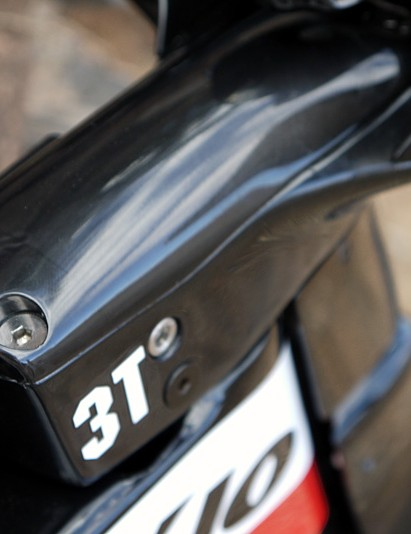 Cervélo and 3T worked together to develop the stem and bars for the tri version