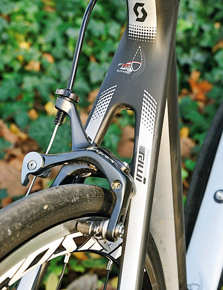 The white areas indicate the 'virtual airfoil' tube shapes that are the key to the Scott's aerodynamic savings