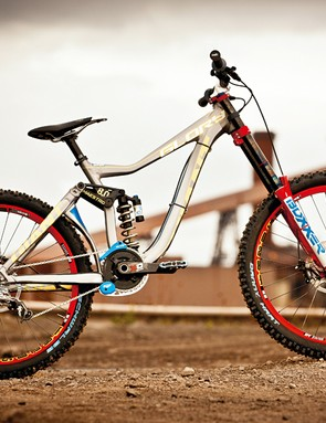 Hart's Glory is decked out with top-level SRAM, RockShox and Avid components