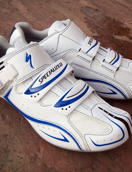 The Specialized Elite Road shoes are modestly priced at just US$125 but they pack an enormous amount of performance and value