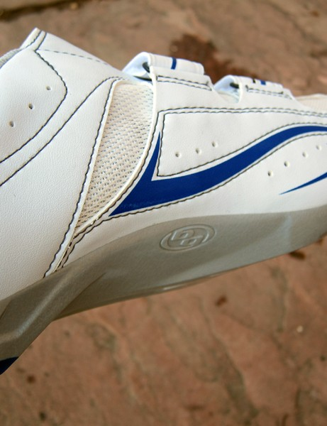 Specialized build arch support directly into the sole, resulting in a more stable foundation that won't pack out over time