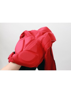 The stretch, multi-thickness chamois is provided by Cytech