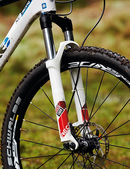 Although the RockShox Recon is a good fork, on a bike this price, we'd expect more