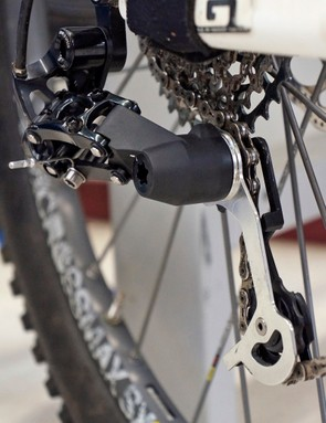 SRAM's new clutch-equipped rear derailleur will compete with Shimano's XTR Shadow Plus design