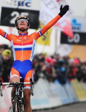 Vos celebrates a commanding victory in Koksijde