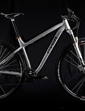 The Zero29 comes with a 12x142mm rear through-axle