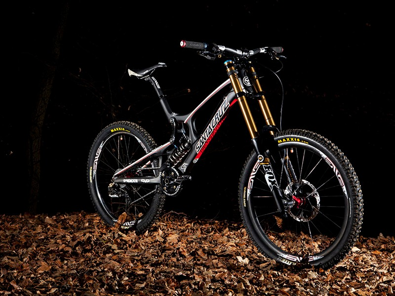 This is the bike the Syndicate will be racing on in 2012 - the latest Santa Cruz V-10 Carbon, decked out with Shimano and Fox kit