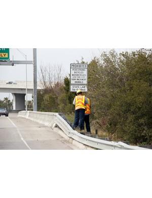 South Carolina DOT installs signs prohibiting bikes from JIC