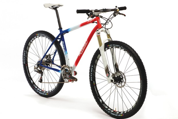 Ritchey's P-29er harks back to the steel race bikes of the 1990s, both with its paintjob and its slimline tubing