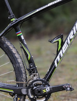 Subtle seat tube curve allows use of shorter chainstays