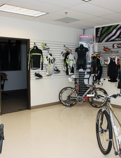 A triathlon-focused corner includes specific Pearl Izumi clothing and Shimano components