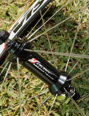 New extra-aero PRA hub and carbon quick-release lever on the Vision Metron 81