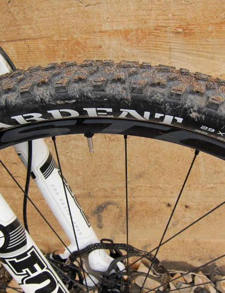 The 2012 Kona Hei Hei 29 Supreme comes with 2.25in-wide Maxxis Ardent tires