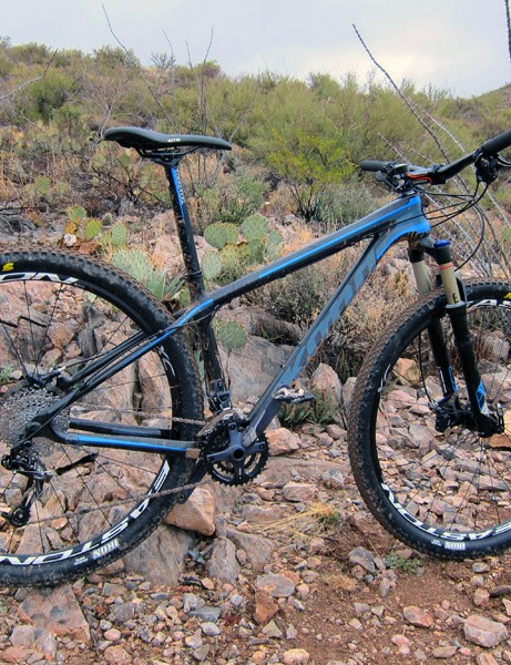 Kona have switched from aluminum to carbon fiber for the 2012 King Kahuna 29er hardtail