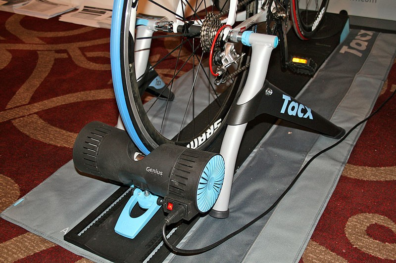 Tacx Genius Multiplayer T2000 virtual reality trainer