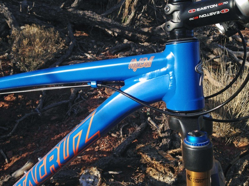 Super short, tapered head tubes on the new alloy Santa Cruz 29ers allow for impressively low bar positions