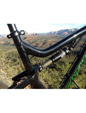 The curved top tube lends extra support to the seat tube without requiring a separate gusset